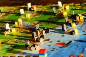 Spieleabend für Slots und Gesellschaftsspiele
